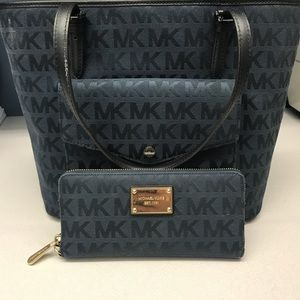 Michael Kors Navy Purse with Wallet
